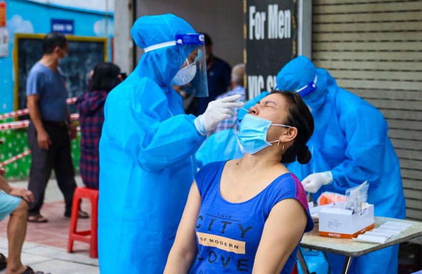 Trưa 12/9, Hà Nội ghi nhận thêm 17 ca dương tính SARS-CoV-2
