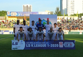 Bảng xếp hạng (BXH) vòng 13 V-League 2020 ngày 1/10:  Thắng đậm TP HCM, HAGL chắc chân vòng tranh chức vô địch