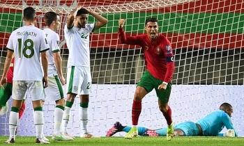 Ronaldo tỏa sáng, Bồ Đào Nha thoát hiểm ở vòng loại World Cup 2022