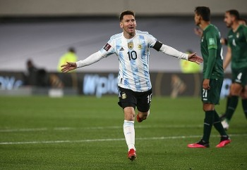 Giúp Argentina thắng tưng bừng tại vòng loại World Cup, Messi phá kỷ lục của Pele