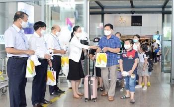 Đà Nẵng đón đoàn du khách đầu tiên trở lại du lịch sau COVID-19