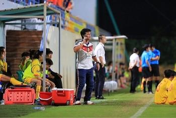 Chỉ đạo học trò bỏ thi đấu, HLV trưởng CLB Phong Phú Hà Nam nhận án phạt nặng