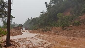 Lở núi ở Quảng Trị, hàng chục cán bộ, chiến sĩ Đoàn KT-QP 337 nghi bị vùi lấp