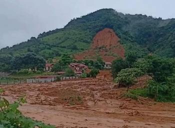 Hiện trường kinh hoàng vụ lở núi nghi vùi lấp hơn 20 cán bộ chiến sĩ ở Quảng Trị