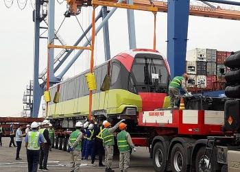 Đoàn tàu metro Nhổn - ga Hà Nội đã về đến cảng Nam Hải Đình Vũ (Hải Phòng)