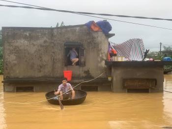 Chùm ảnh nước lũ dâng cao vượt mức lịch sử ở Quảng Bình
