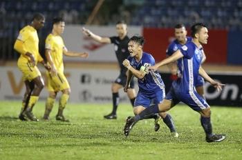 Người hâm mộ bóng đá Việt Nam tò mò về