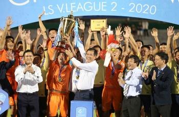 Bóng đá Việt Nam hôm nay (01/11): Bình Định lên V-League, Quảng Nam xuống hạng