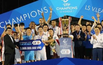 Bóng đá Việt Nam hôm nay (09/11): Viettel vô địch V-League, Công Phượng chia tay TP.HCM