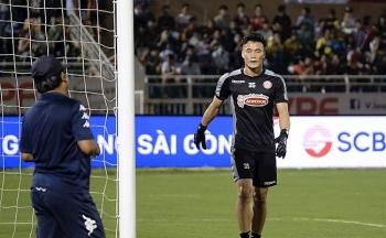 Chuyển nhượng V-League ngày 19/11: TP.HCM hé lộ tương lai thủ môn Bùi Tiến Dũng