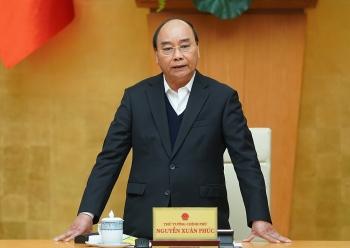 Thủ tướng Nguyễn Xuân Phúc yêu cầu tạm dừng các chuyến bay thương mại từ nước ngoài