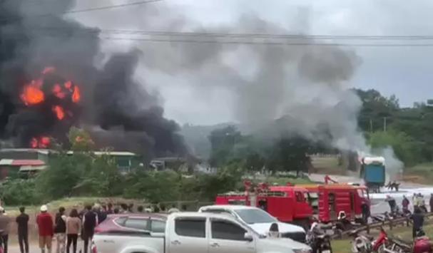 Nổ kho pháo gần cửa khẩu Lao Bảo, nhiều người thương vong