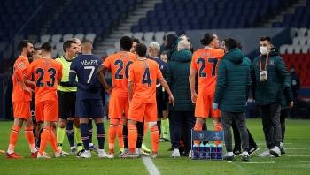 Trận đấu PSG vs Basaksehir bị hoãn, MU có cơ hội đi tiếp tại Cúp C1?