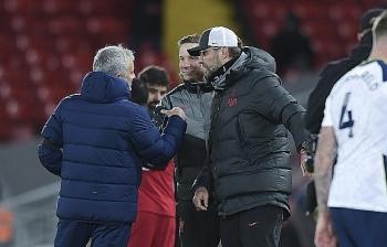 Thua Liverpool, HLV Mourinho vẫn khiến Klopp tắt nụ cười trên môi