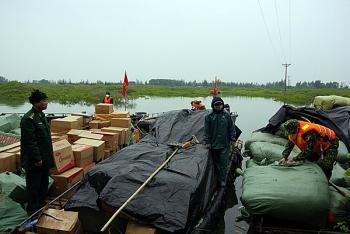 Quảng Ninh: Bắt giữ 9 tấn hàng hóa, thực phẩm không rõ nguồn gốc qua biên giới