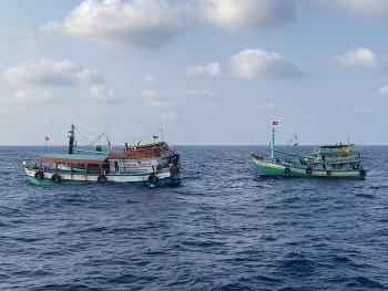 Cứu nạn thành công tàu cá CM 92411TS trên vùng biển Tây Nam