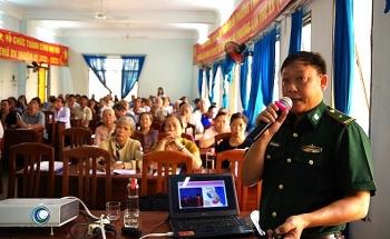 Bình Định: Gần 200 như dân được học về kiến thức biển đảo