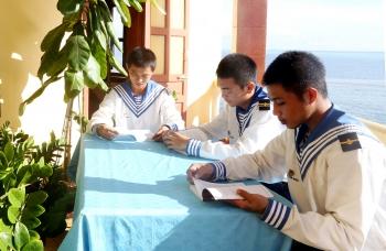 Nét đẹp văn hóa đọc ở Trường Sa