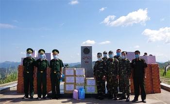 Điện Biên: Hỗ trợ lực lượng biên giới Lào phòng, chống dịch covid – 19