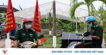 """Tiền Giang: Tiếng loa """"đánh thức"""" vùng biên giới trước ngày trọng đại của đất nước"""
