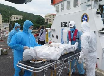 Cấp cứu thành công một thuyền viên Philippines gặp nạn trên biển