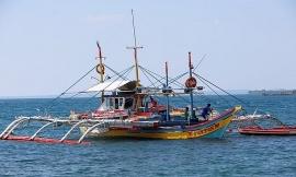 Tàu Trung Quốc đâm chìm tàu cá, Philippines có nên kiện ra Tòa án Quốc tế?