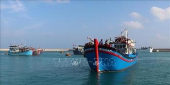 Dịch vụ hậu cần nghề cá ở quần đảo Trường Sa