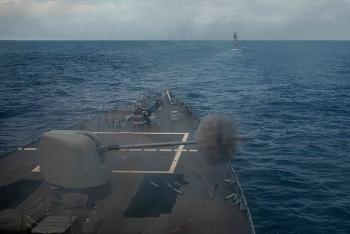 Hải quân Mỹ và Úc tập trận bắn đạn thật ở Biển Đông
