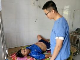 Quân y đảo Song Tử Tây cấp cứu ngư dân bị giảm áp khi lặn biển