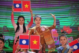 Tạo điều kiện cho sinh viên Lào sang học tập tại Quảng Nam