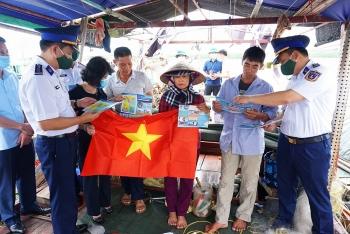 Quảng Ninh: Cảnh sát biển đồng hành cùng ngư dân