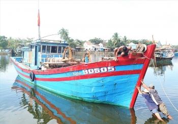 Quảng Nam: Nghề cá khó phát triển do tàu giã cào vẫn lén lút hoạt động