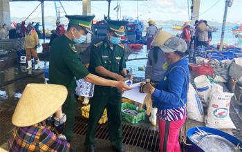 Phú Yên: Vận động ngư dân chấp hành nghiêm pháp luật khi hành nghề trên biển