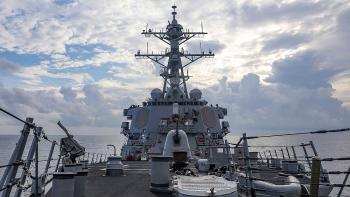 Tàu chiến Mỹ tuần tra gần quần đảo Hoàng Sa của Việt Nam