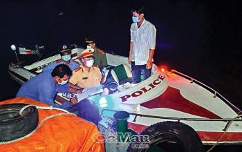 Cà Mau: Tăng cường chống dịch trên đường thủy
