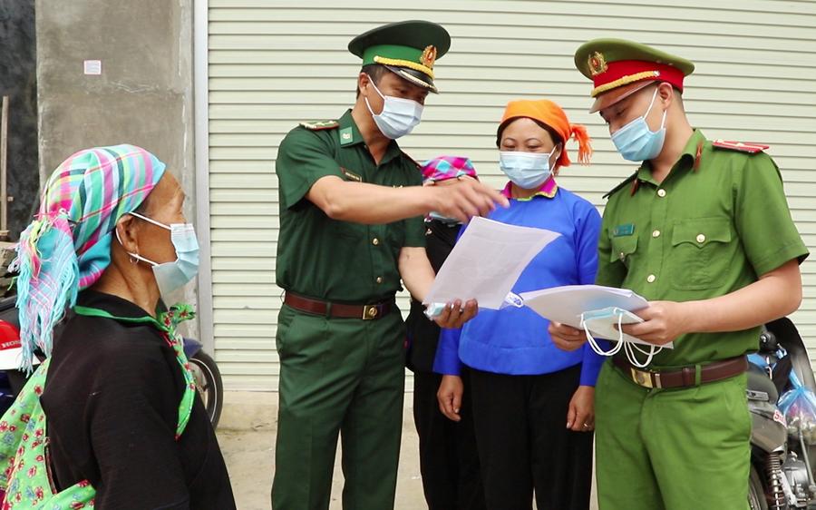 Tuyên truyền phòng, chống dịch Covid-19 cho nhân dân xã Sơn Vĩ (Mèo Vạc).
