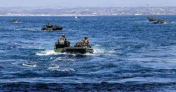 Thủy quân lục chiến Mỹ ra lệnh tìm kiếm 8 binh lính mất tích trên biển