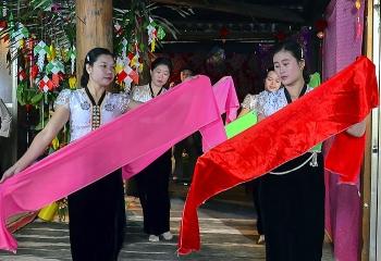 Lễ Kin Pang Then của người Thái trắng Mường Lay
