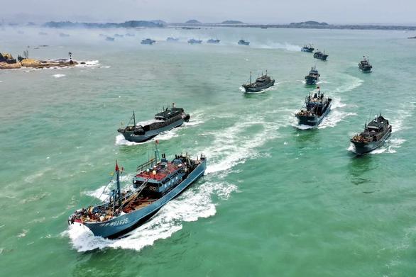Hàng chục nghìn tàu cá Trung Quốc tràn xuống Biển Đông