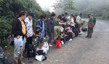 Bắt giữ 48 công dân nhập cảnh trái phép qua đường mòn biên giới