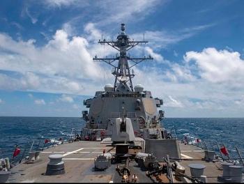 Trung Quốc phản ứng việc Mỹ điều tàu chiến qua eo biển Đài Loan