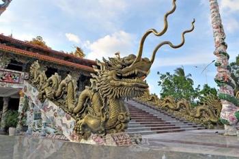 Tục thờ linh vật tại đền, chùa ở Cà Mau