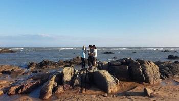Vẻ đẹp hoang sơ đậm màu duyên hải ở Hồ Tràm