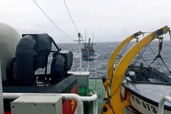 Cứu nạn thành công tàu cá gặp nạn ở Trường Sa