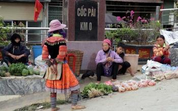 Hà Giang: Níu chân Chợ phiên Cốc Pài