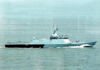 Tàu hải quân Malaysia đối đầu tàu hải cảnh Trung Quốc ở Biển Đông