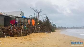 Quảng Ngãi: Dân bất an vì biển xâm thực mạnh