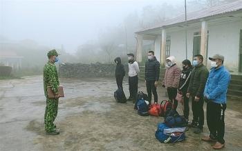 Hà Giang: Bắt giữ 52 công nhân nhập cảnh trái phép qua đường mòn biên giới