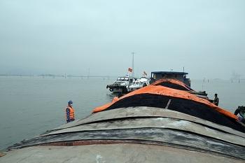 Tạm giữ 850 tấn than ở vùng biển giáp ranh Hải Phòng và Quảng Ninh