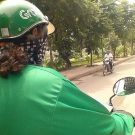 Tin mới nhất vụ xe ôm công nghệ nghi lừa đón học sinh ở Hà Nội: Chỉ là đón nhầm